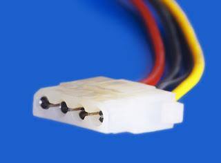 Voltajes conector molex